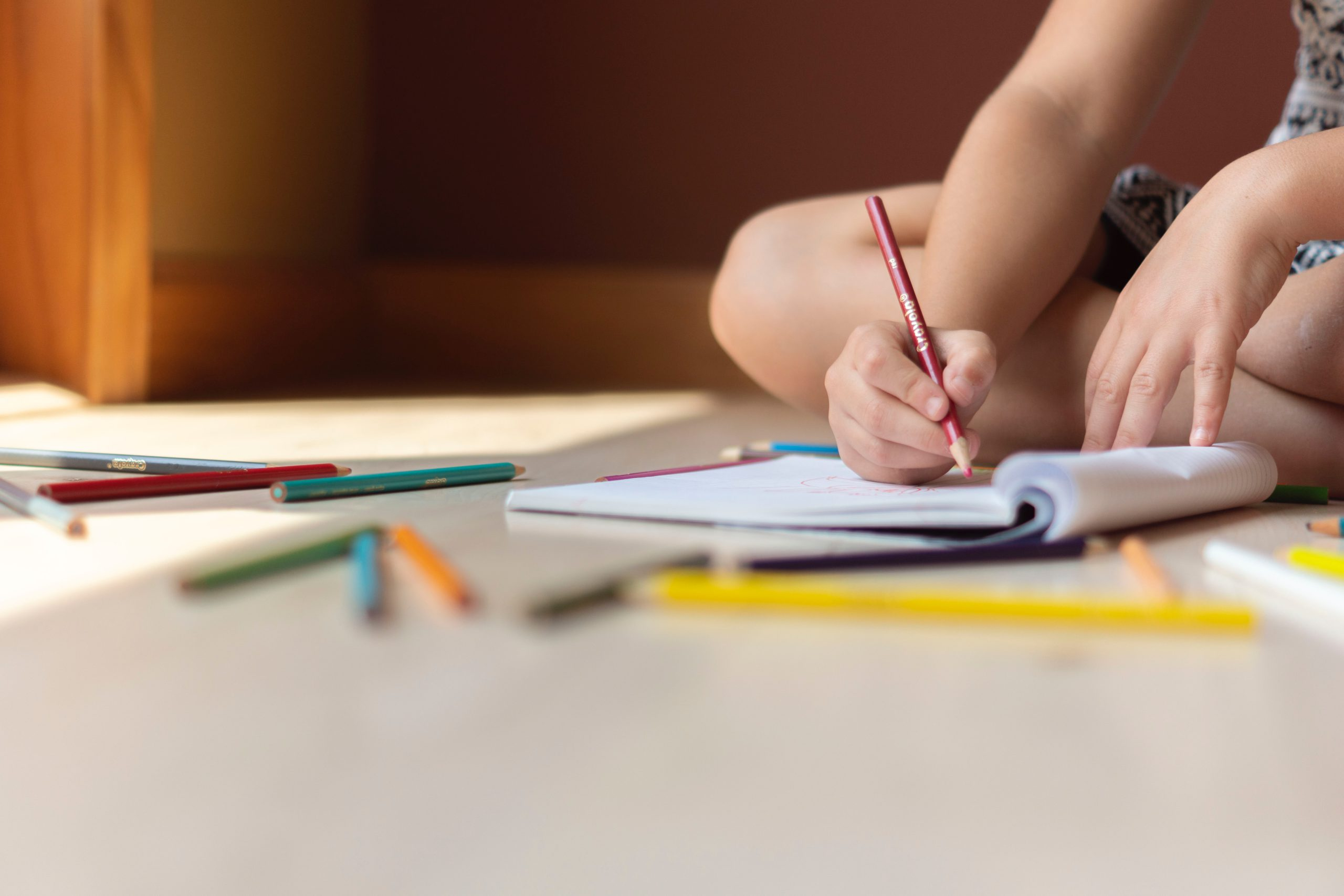 3 Positive Ways To Keep Children Engaged When Working From Home